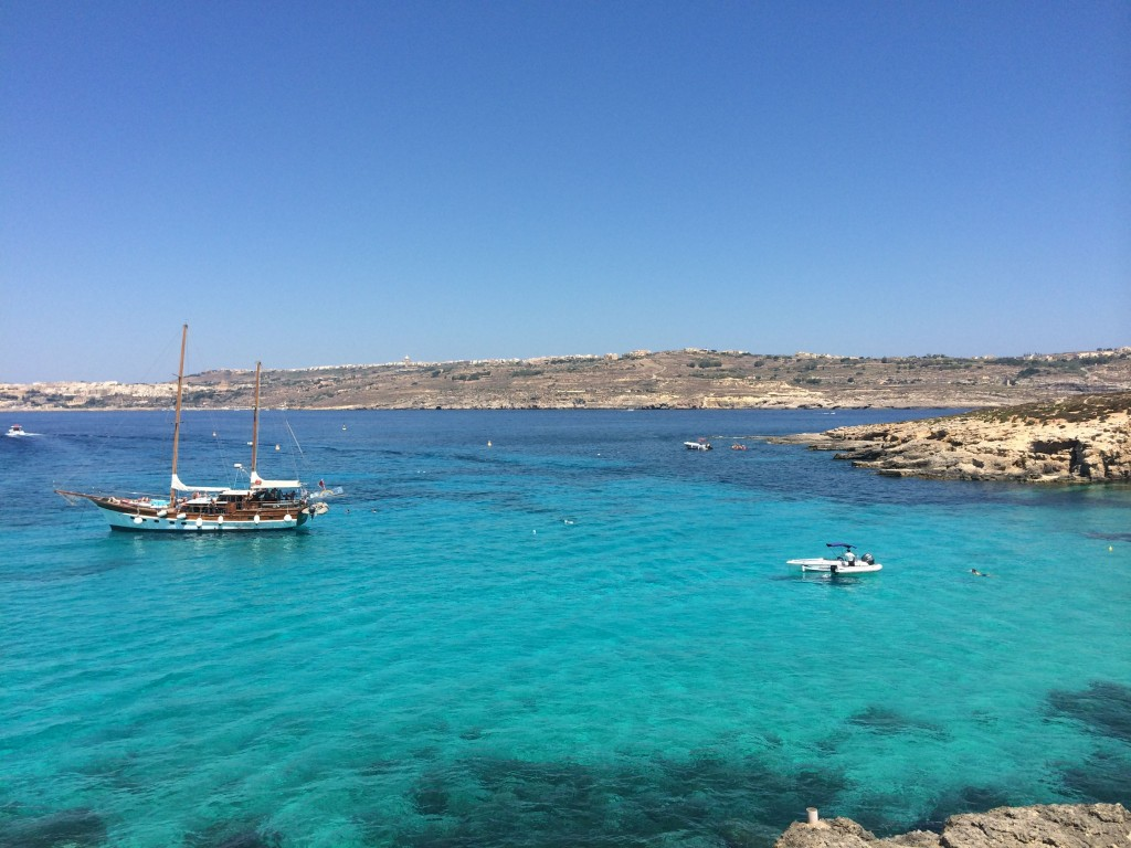Malta's best known secret: Blue Lagoon | www.geekyexplorer.com