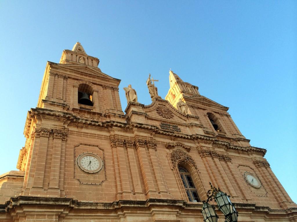 Malta by public transport bus route itinerary - Mellieha church