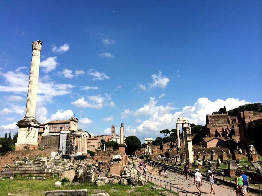 All roads lead to Rome | www.geekyexplorer.com