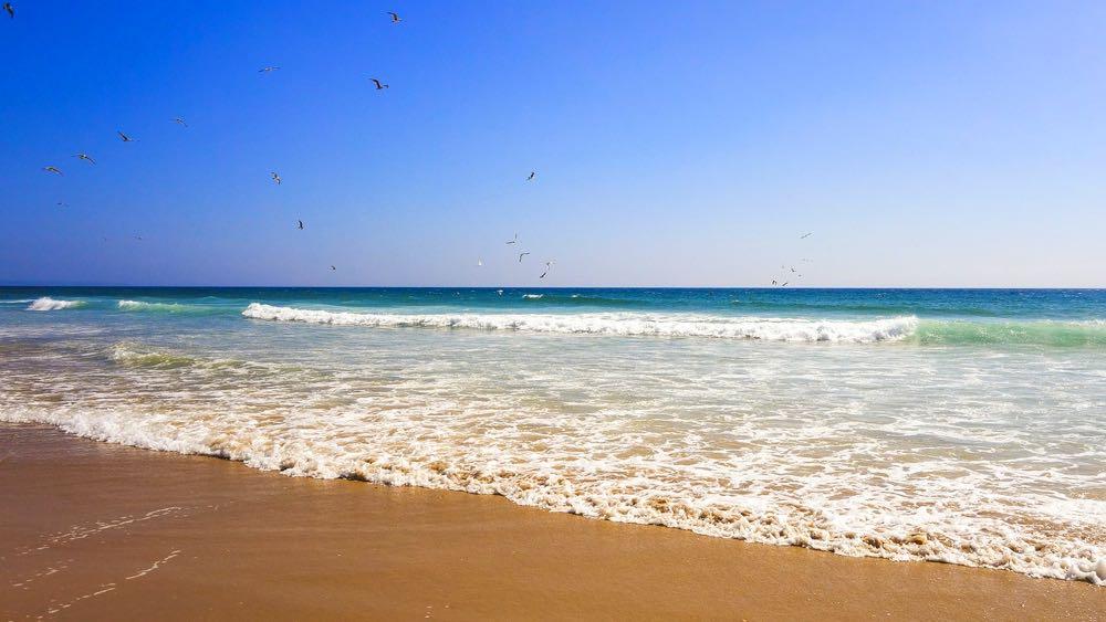 best beaches lisbon daytrips sintra cascais meco