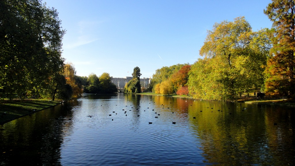 How To Save Money In London - St James Park color palette