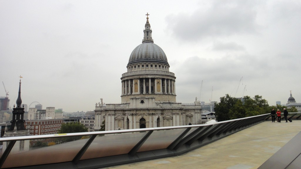How To Save Money In London - St Paul's Cathedral - Geeky Explorer