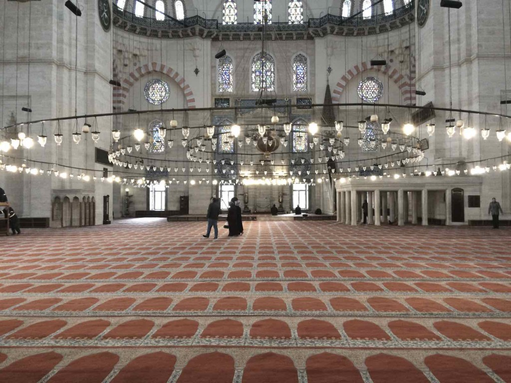 visiting mosques in Istanbul - SULEMANIYE CAMI