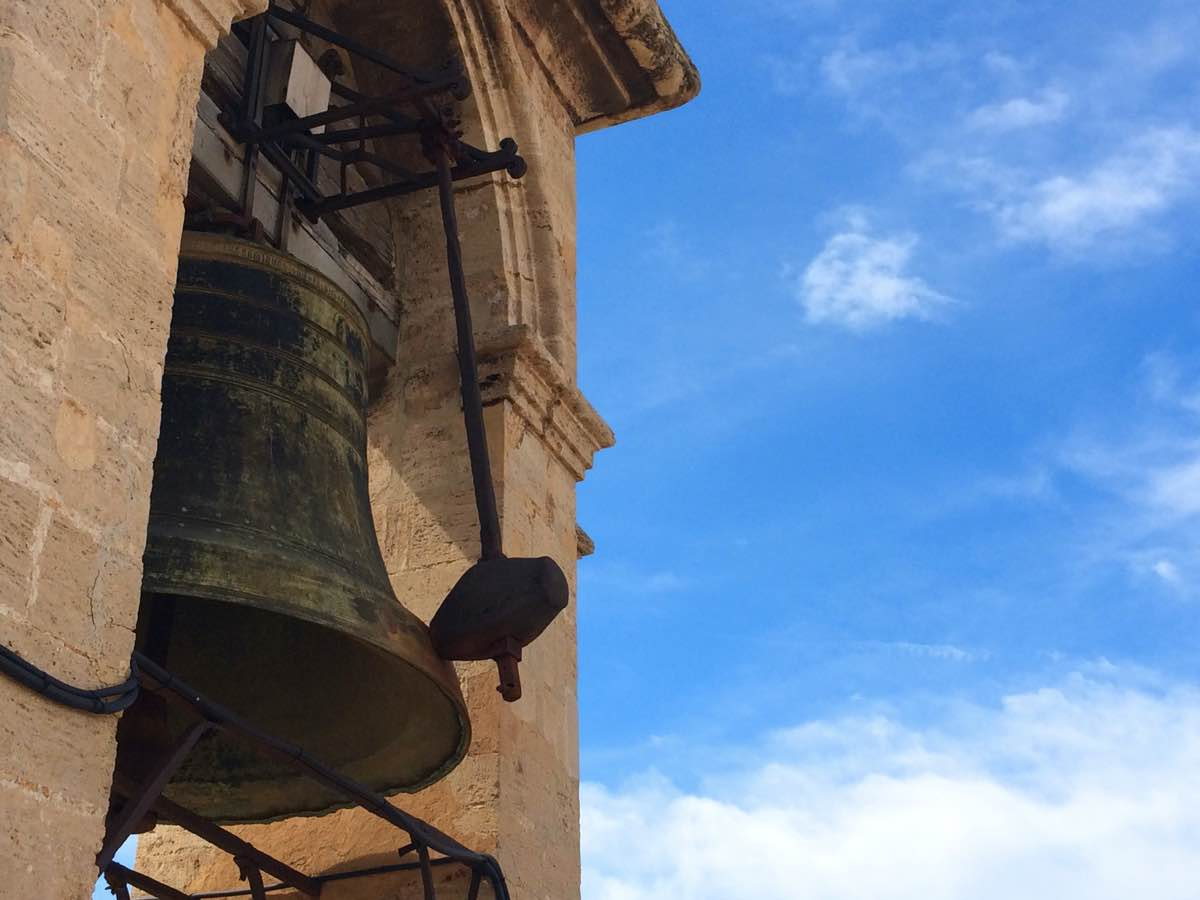 Is Valencia worth visiting ? - micalet