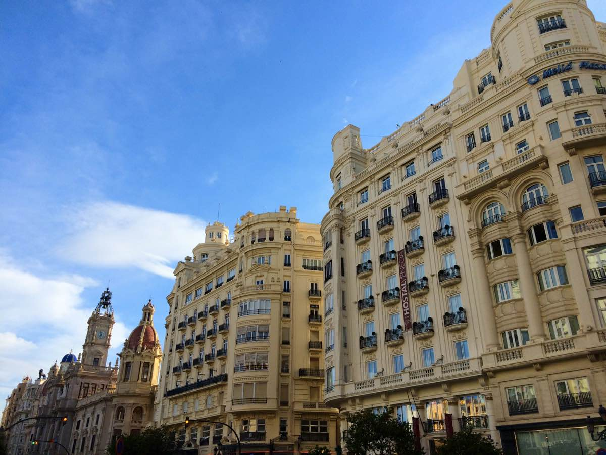 why is valencia worth visiting - architecture