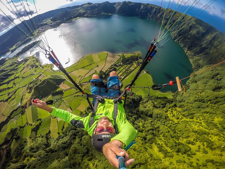 outdoor activities azores paragliding