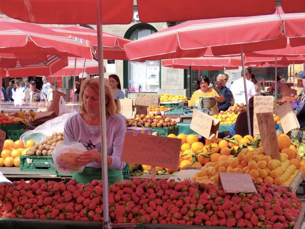 Experiences in the Dalmatian coast - Market Zagreb