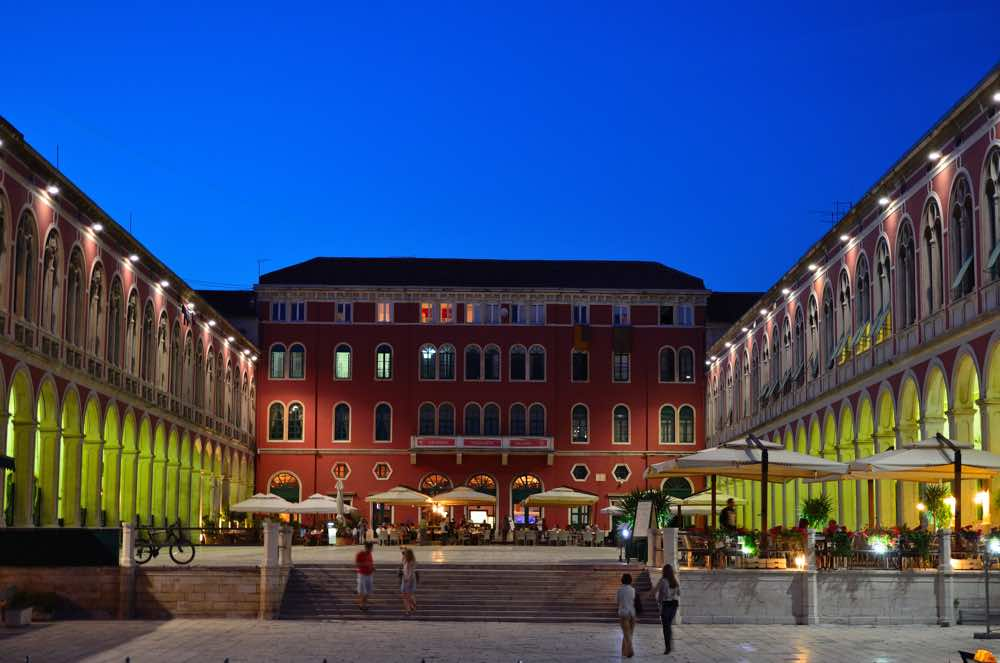 croatia road trip tips advice - Split republic Square