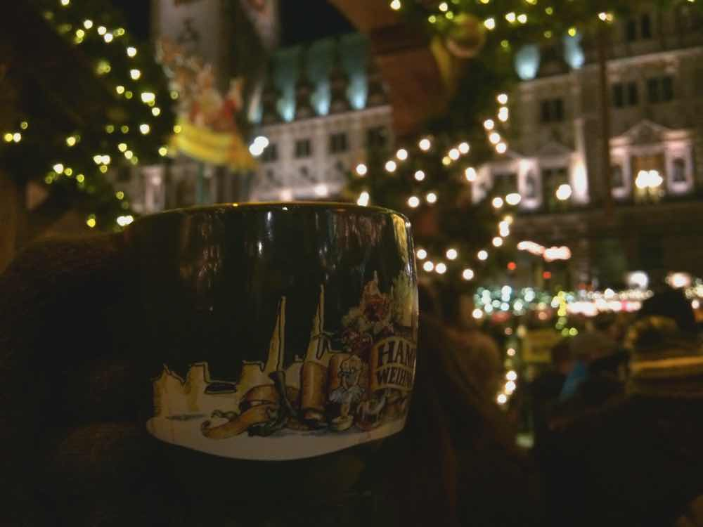hamburg christmas markets gluhwein