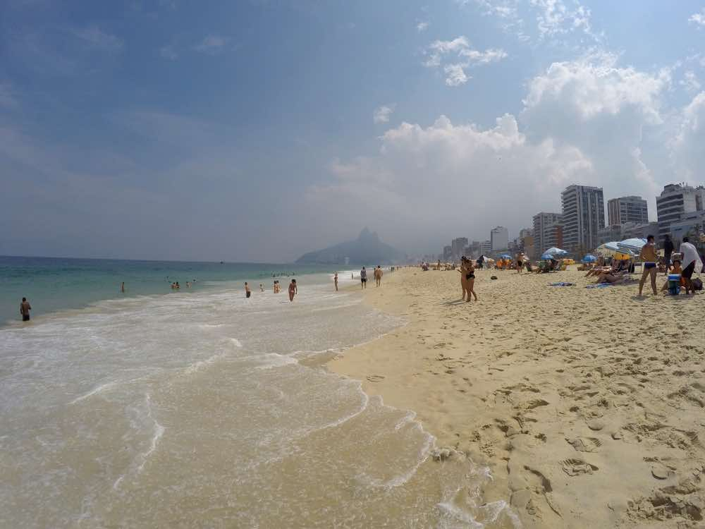 how to stay safe in rio beaches safety