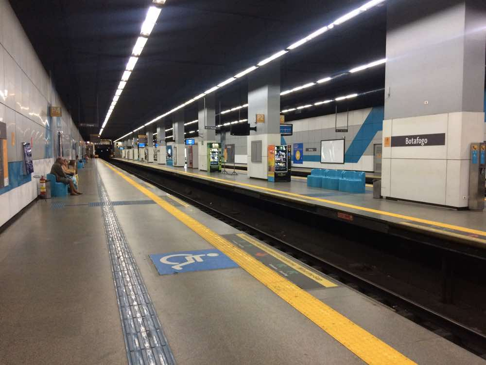 how to stay safe in rio metro
