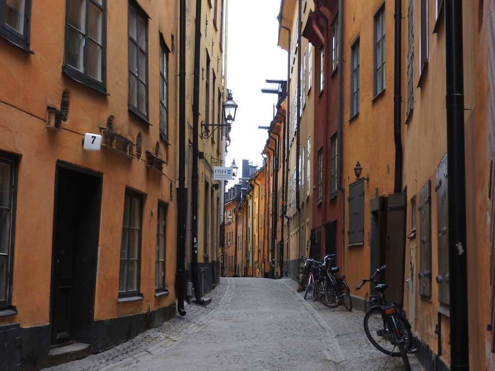 stockholm on a budget gamla stan street low-cost travel tips