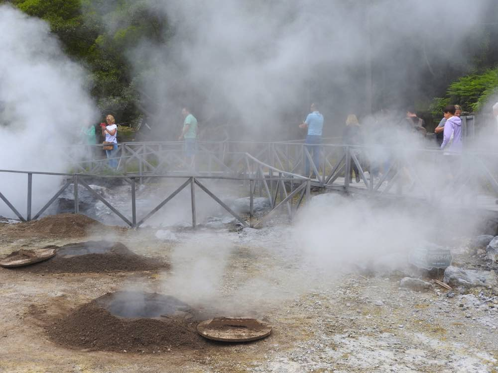 where to eat in sao miguel cooking holes furnas cozido stew
