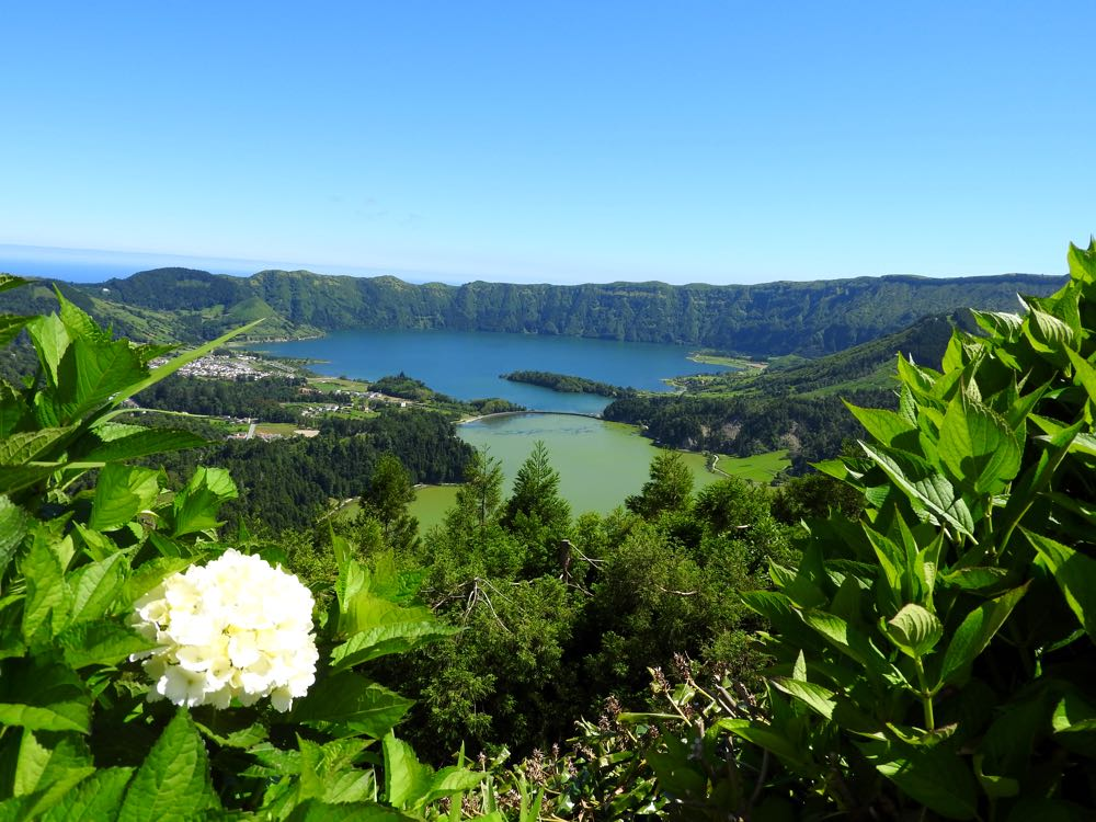 azores-travel-tips-things-to-know-before-go-lakes
