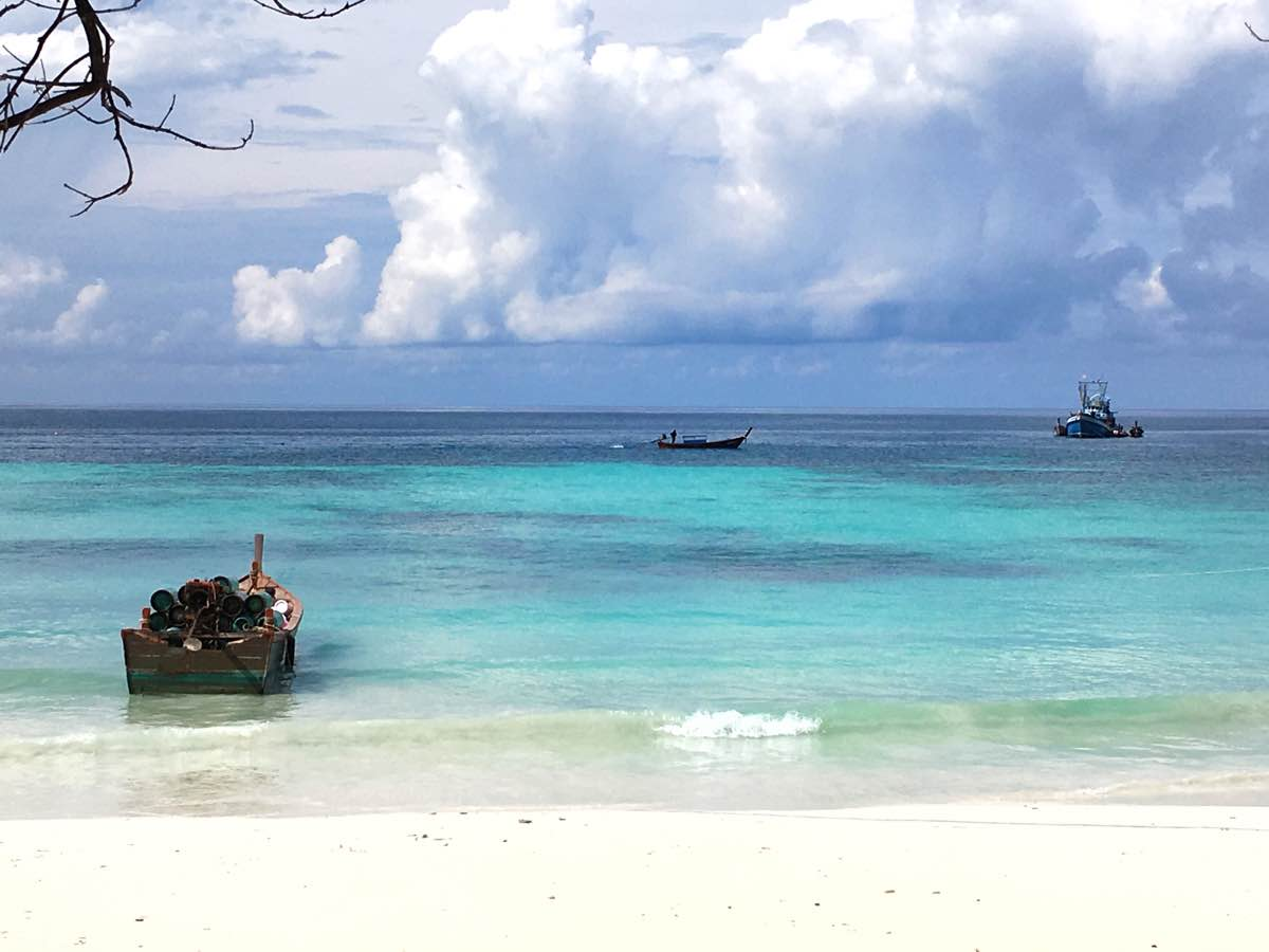 pattaya beach travel guide koh lipe blog