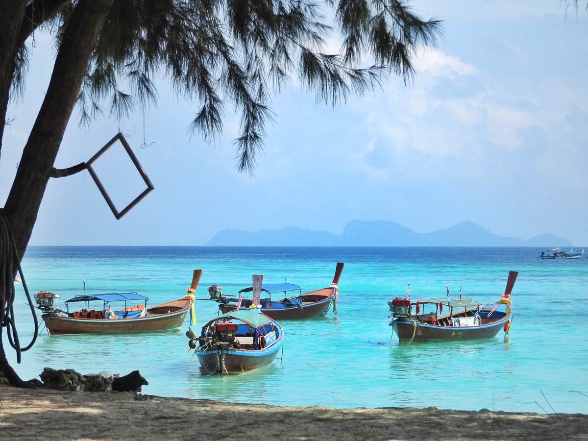 travel guide koh lipe sunrise beach restaraunt view