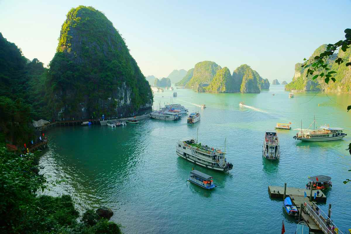 how to choose best halong bay cruise recommendations