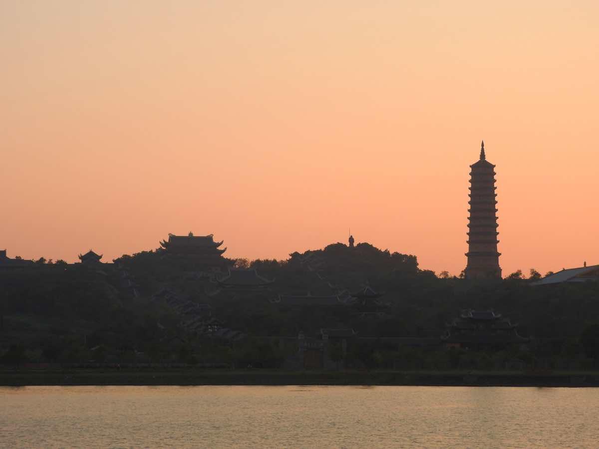 ninh binh travel guide bai dinh pagoda