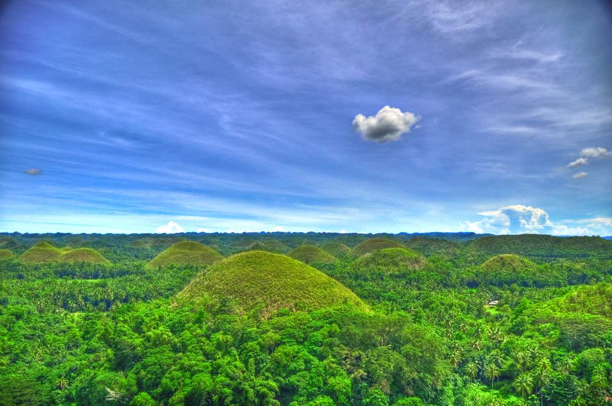 travel guide of bohol philippines chocolate hills