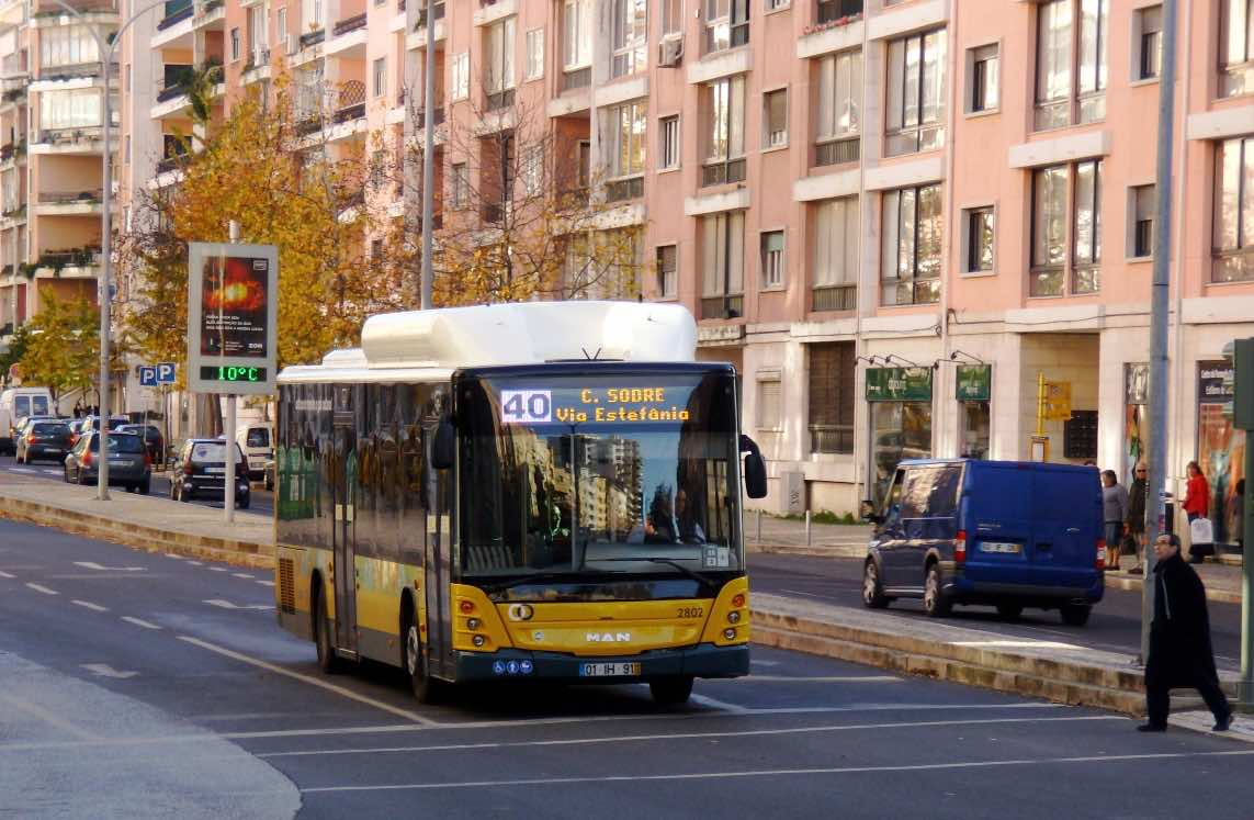 lisbon airport to downtown bus carris
