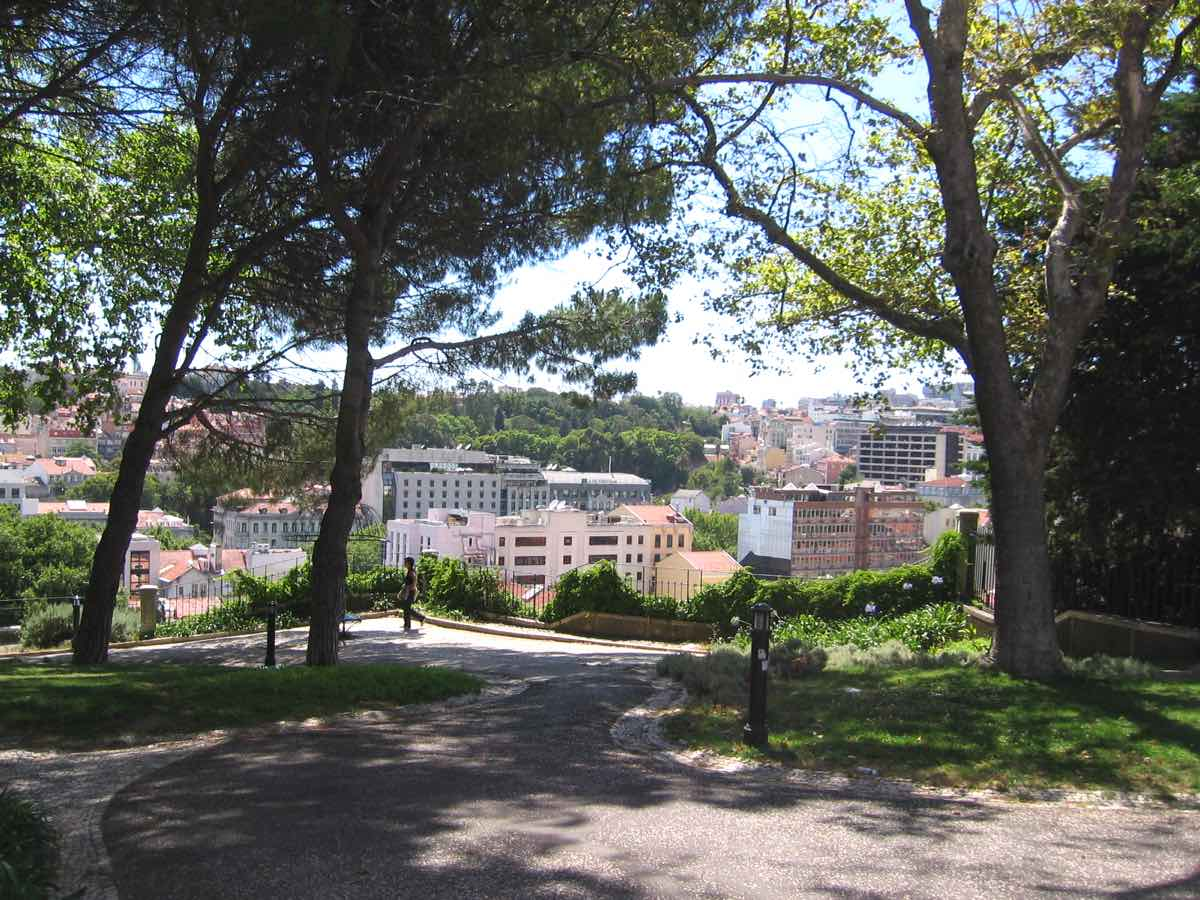 lisbon hidden gems secrets jardim torel garden