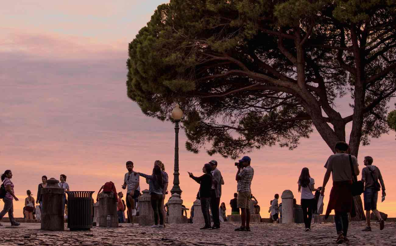 lisbon itinerary 3 days sunset miradouro