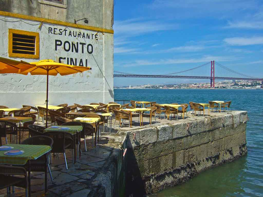 lisbon travel blog guide cacilhas restaurant river tejo