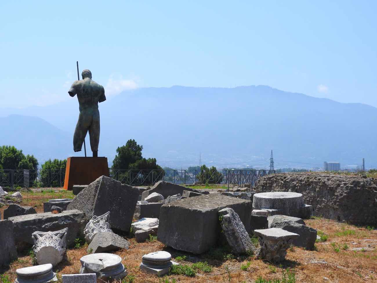 how to plan naples italy amalfi coast pompeii ruins scavi