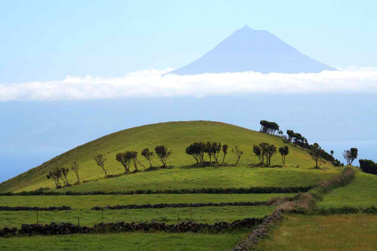 mount pico mountain azores climbing hiking