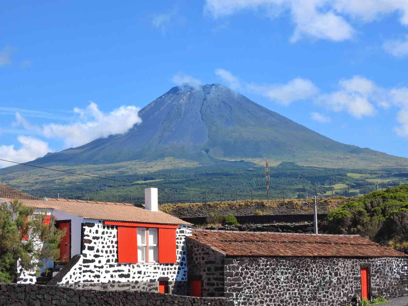 pico island travel guide tips traditional houses