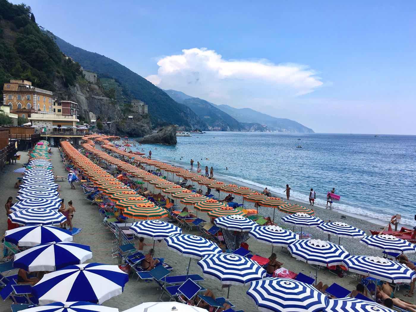 guide cinque terre blog monterosso al mare italy beach