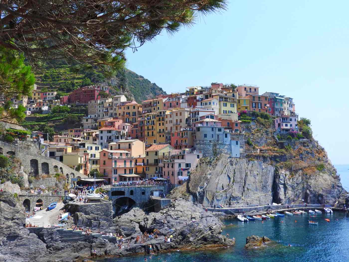 guide cinque terre blog where to stay manarola italy