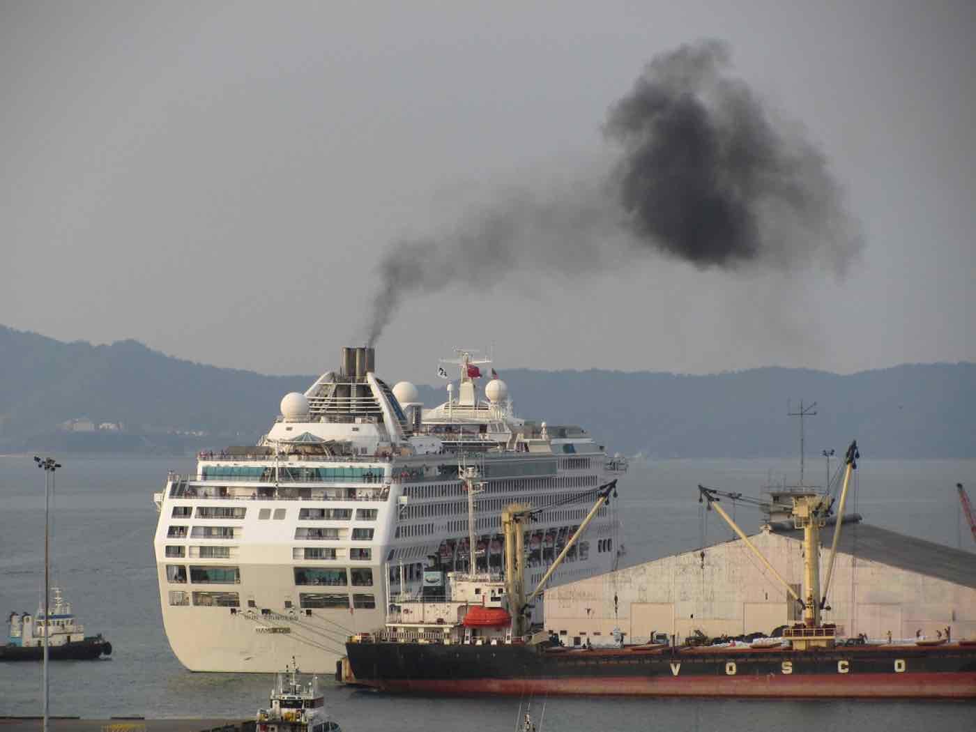 Cruise ship pollution black smoke
