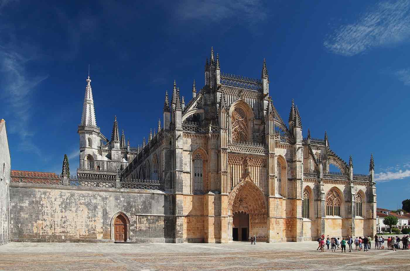 best day trips from lisbon batalha palace
