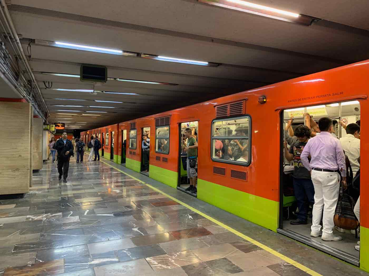 mexico city safety tips metro