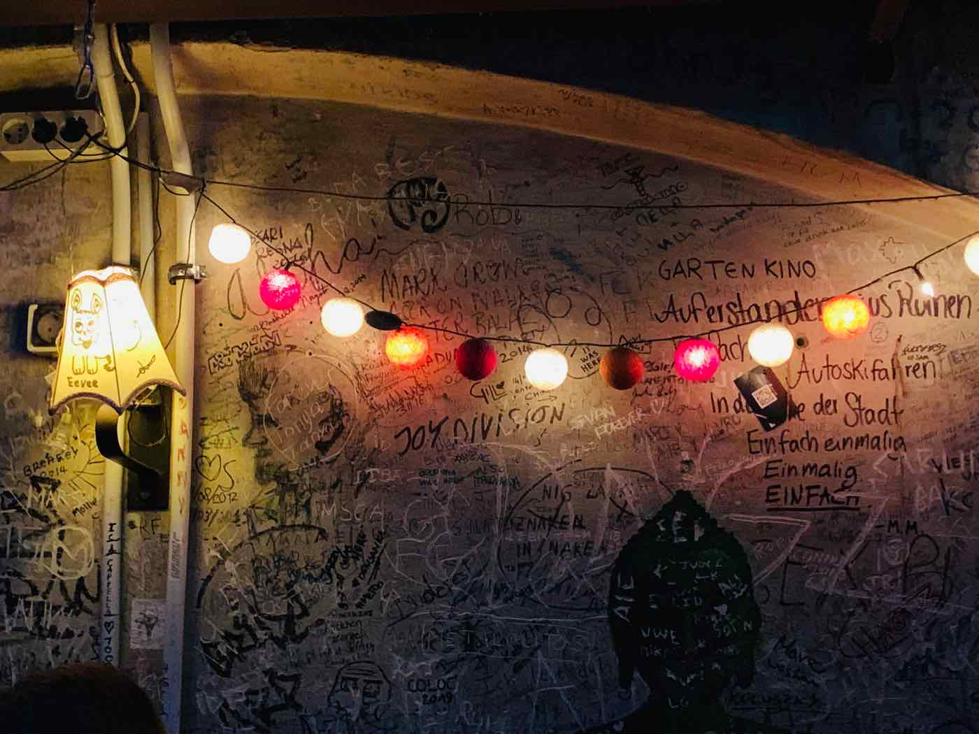 things to do budapest szimpla ruin bar