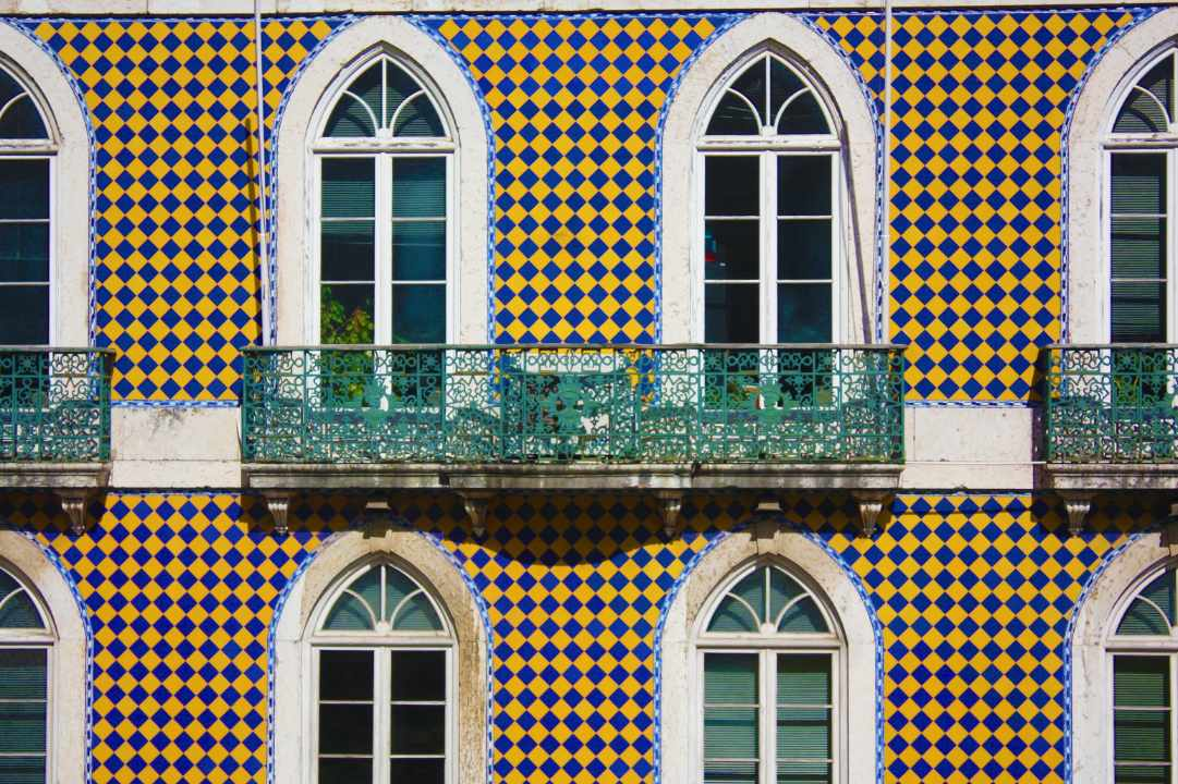 things to do in lisbon tiles azulejos
